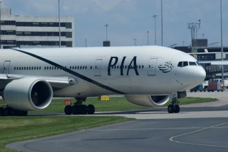 PIA Boeing 777