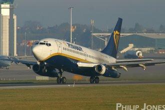Ryanair 737-200 EI-CNW