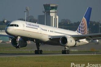 Continental 757-200 N17128