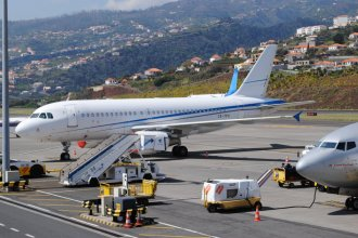 White A319 at Funchal