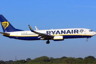 Ryanair 738 EI-DLW