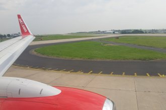 Jet2 738 lining up runway 14 at LBA