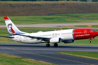 Norwegian 738 EI-FHR