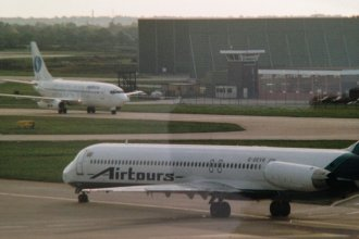 Airtours MD-80