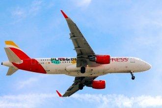 Iberia A320 EC-LYE
