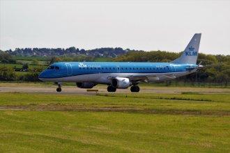 KLM Embraer E195 PH-EZL