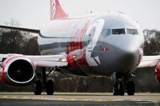 Jet2 737-300 Holding 14