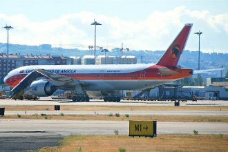 TAAG  Angola Airlines Boeing 777