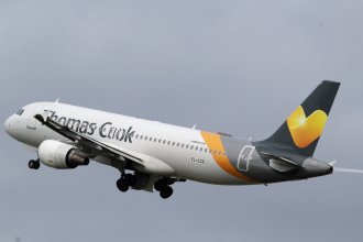 Thomas Cook Airbus A320 YL-LCS.jpg