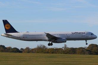 LUFTHANSA A321 D-AIDD