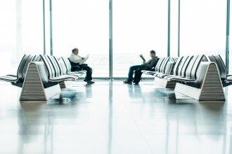 airport-chair-indoors-968875.jpg