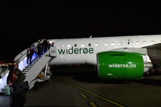 Wideroe at LPL Embraer E190