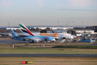 Emirates A380 diverted in from Dubai en route to Man