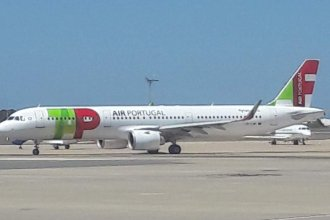 TAP. A320  Faro ( might be an A321 !!!)